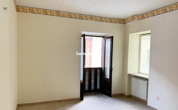 Appartamento in palazzina con ingresso indipendente.