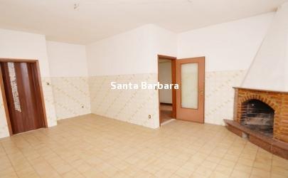 Vibo Valentia, Via D'Orso, Appartamento indipendente , mq 154 circa. La proprietà si trova nelle immediate adiacenze di Piazza San Leoluca, l'area propone servizi come negozi, asili e scuole e ottimi collegamenti urbani.
